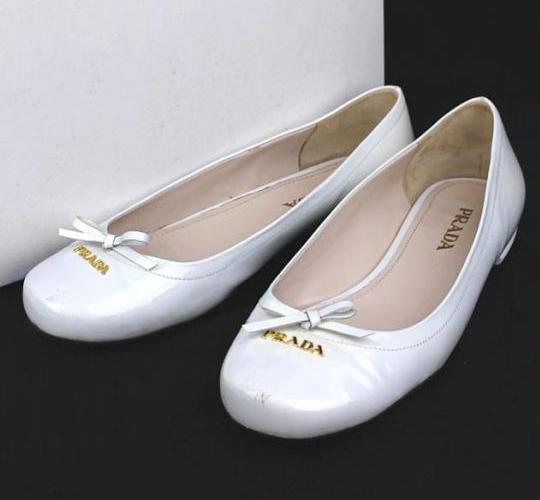 プラダ エナメルパンプス 靴 size37 ホワイト