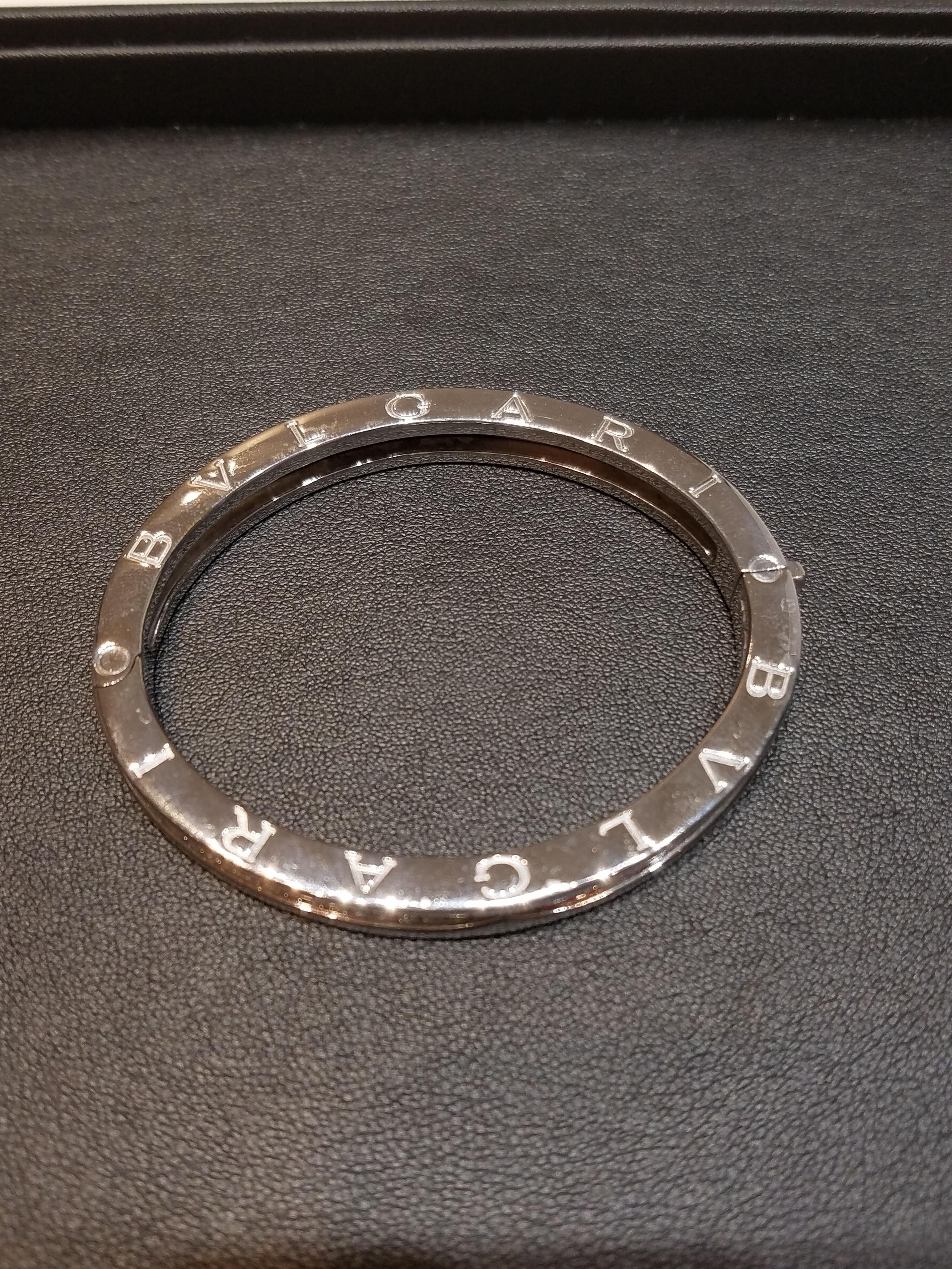 ブルガリ ビーゼロワン フルダイヤブレス