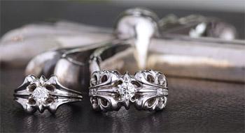 人とは違う 個性的 エンゲージリング(婚約指輪)
